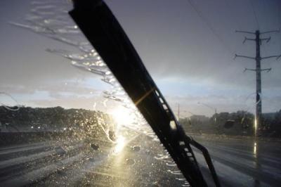 почему потеет лобовое стекло изнутри во время дождя